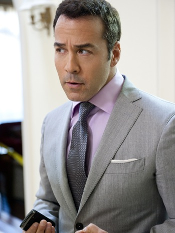 Get The Ari Gold Hollywood Power Agent Look