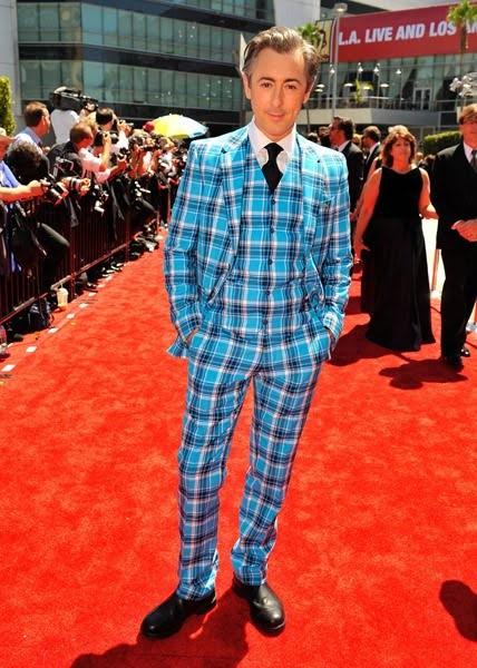 10 Celebrity Suit Disasters That Make Us Cringe