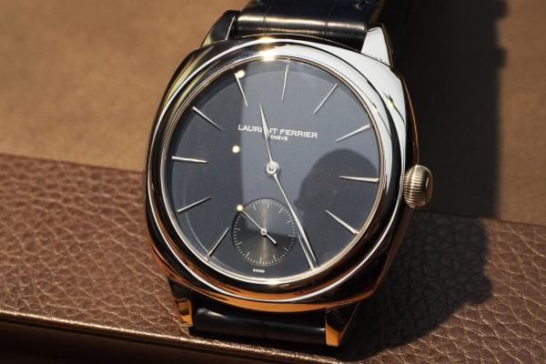 Laurent_Ferrier_Galet_Square