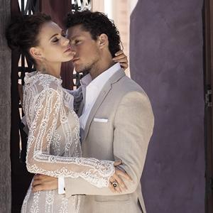 mens-wedding-suit-feature-luxury-weddings-125JustinAvelingSH10