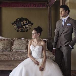 mens-wedding-suit-feature-luxury-weddings-2016-JustinAvelingSH4-B