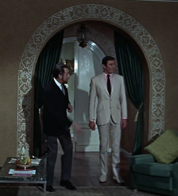 Cream Linen Suit George Lazenby
