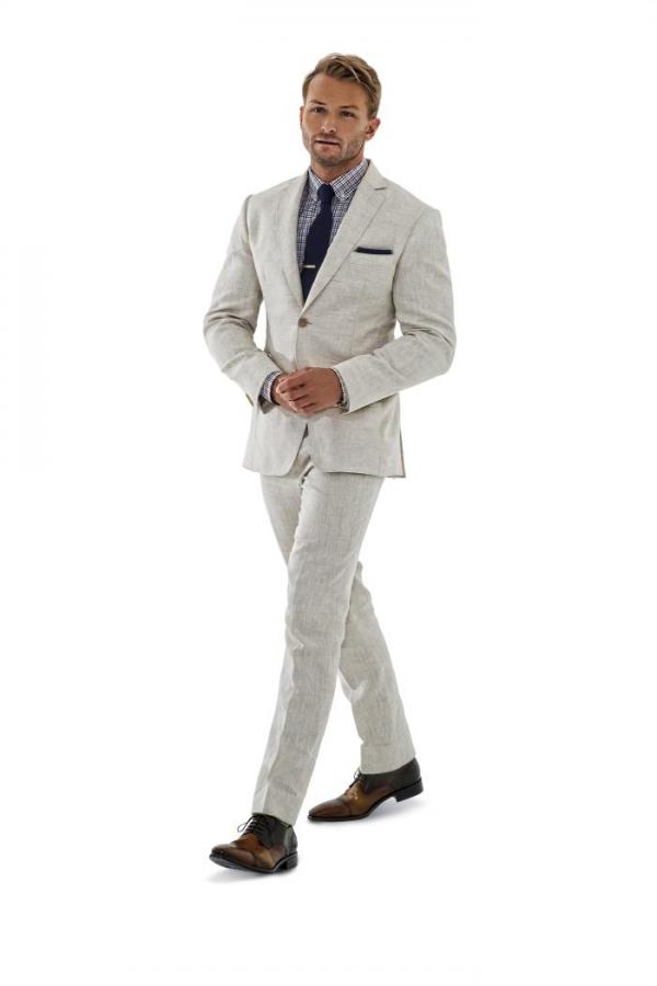Our sharp men's linen suits impart a slightly relaxed appeal while their impeccably tailored fit keeps them in play for smart-casual occasions such as a wedding reception or garden party. We offer two and three button front as well as double-breasted linen suit jackets for men.
